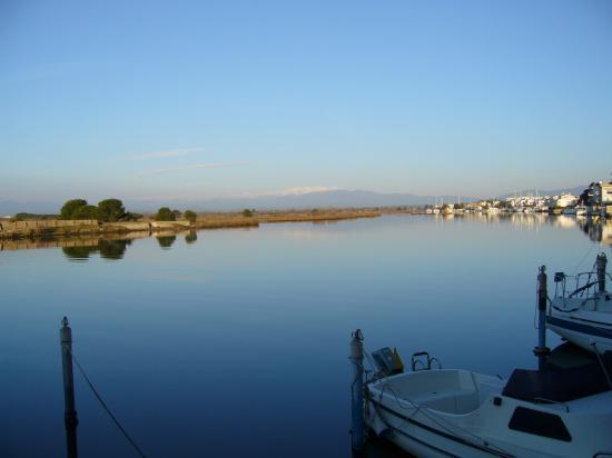 résidence au bord du canal